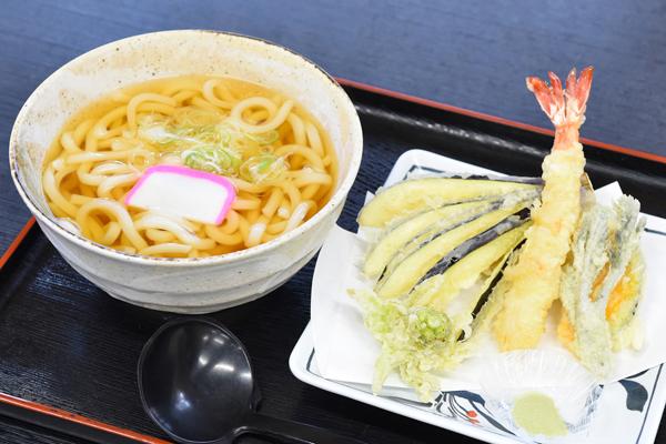 和食処 かじか亭 天ぷらうどん
