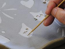 手びねり陶芸体験 お皿に貼り絵