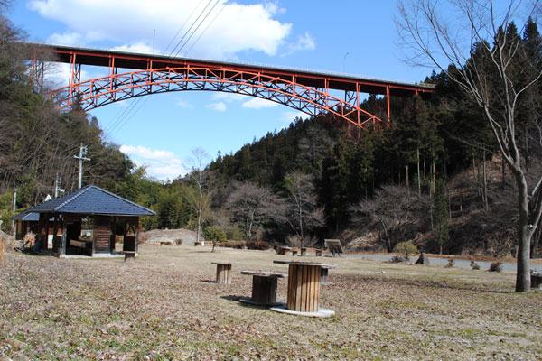 キャンプ場&コテージ「かじか荘」